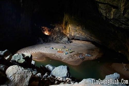 Những hình ảnh 'độc' về hang Én, nơi lên sóng trực tiếp đài Mỹ