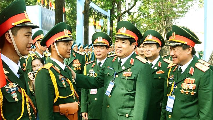 Noi gương Đại tướng Phùng Quang Thanh, cán bộ, chiến sĩ toàn quân phấn đấu tô thắm thêm phẩm chất cao đẹp Bộ đội Cụ Hồ trong thời kỳ mới