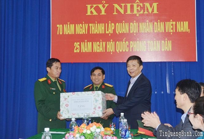 Phát huy sức mạnh tổng hợp cả hệ thống chính trị, thực hiện tốt nhiệm vụ quân sự, quốc phòng trong tình hình mới