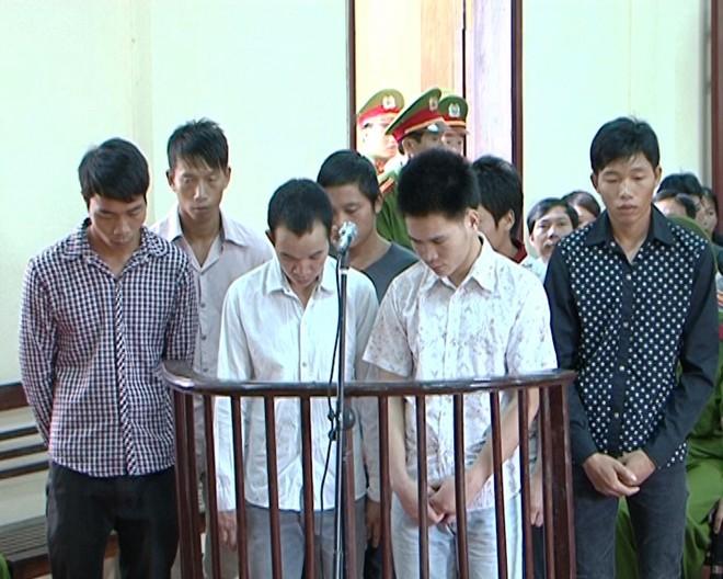 Phạt tù 7 thanh niên tham gia vụ hỗn chiến gây chết người
