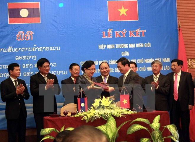 Phê duyệt Hiệp định thương mại biên giới giữa Việt Nam-Lào