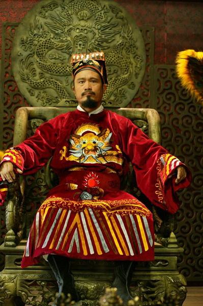 Phim 'Mỹ nhân': Chúa Trịnh - Nguyễn mặc chung long bào?