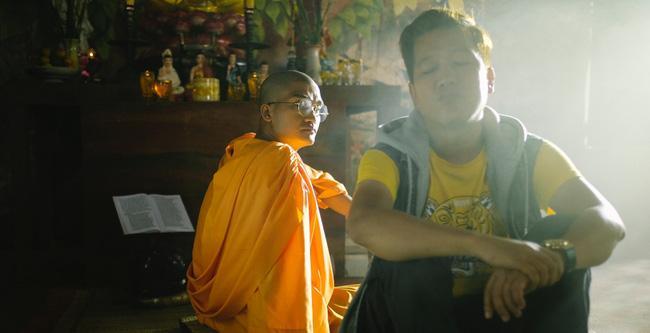 """Phim Tết của Trường Giang được chiếu vào phút chót, đụng độ với """"Đôi mắt âm dương"""" từ Thu Trang - Bảo Thanh"""