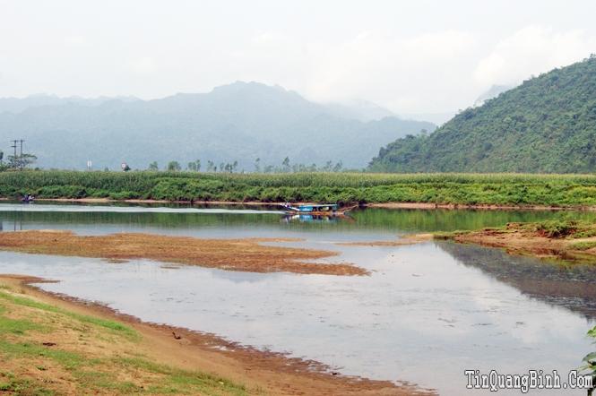 Phó Chủ tịch UBND tỉnh làm việc với Công ty Tràng An về Dự án Nạo vét thông luồng trên Sông Son
