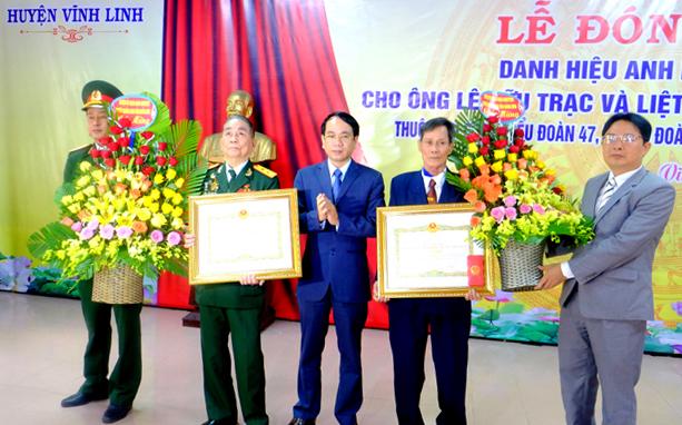 Phong tặng danh hiệu Anh hùng lực lượng vũ trang nhân dân cho ông Lê Hữu Trạc