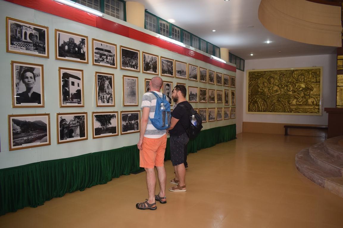 """""""Quảng Bình- 90 năm xây dựng và trưởng thành dưới sự lãnh đạo của Đảng"""""""