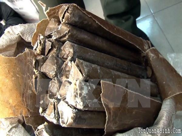 Quảng Bình: Bắt đối tượng vận chuyển 34kg thuốc nổ từ biên giới