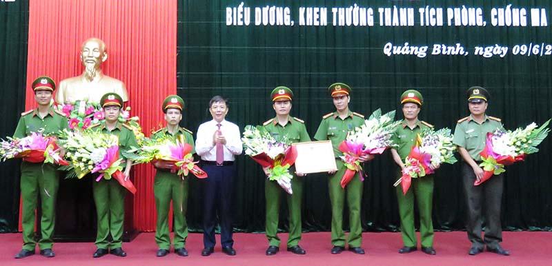 Quảng Bình: Bắt giữ đối tượng vận chuyển 6.000 viên ma túy tổng hợp