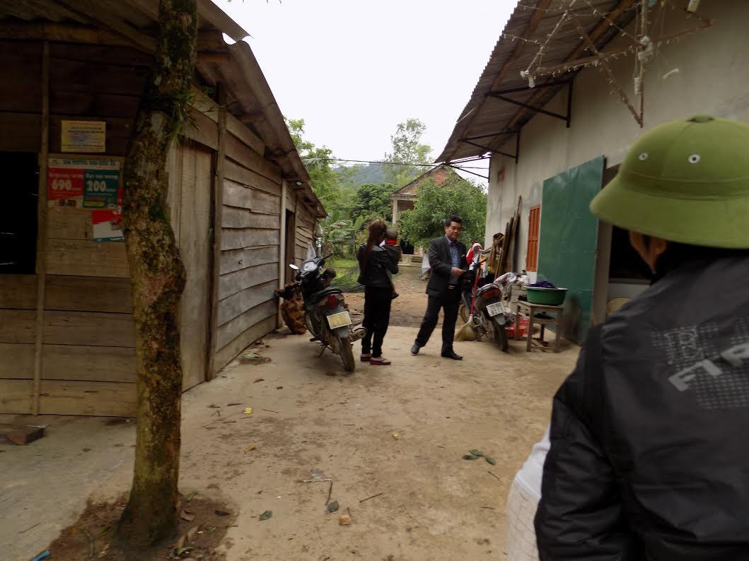 Quảng Bình: Cảnh cáo 2 lãnh đạo dùng xe công chở gỗ lậu