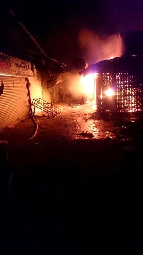 """Quảng Bình: Đầu năm, """"bà hỏa"""" ghé thăm chợ Ba Đồn"""