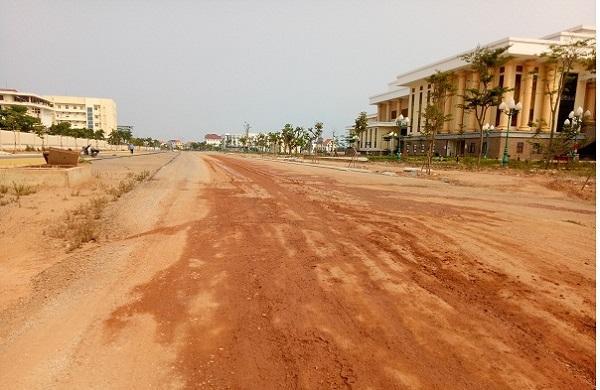 Quảng Bình: Đổ hàng nghìn khối đất phong hóa lên ruộng dân của dân