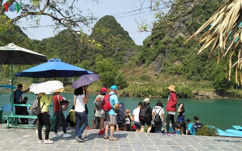 Quảng Bình: Du lịch tìm cách vượt qua khó khăn trước dịch bệnh corona