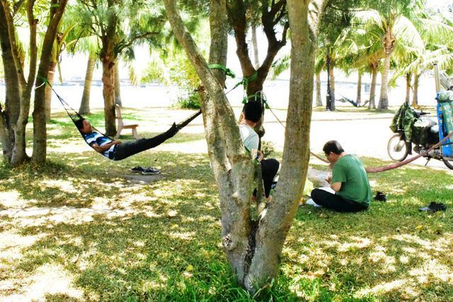 Quảng Bình: Người dân gồng mình chống chịu cái nắng như đổ lửa