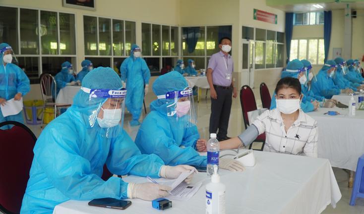 Quảng Bình tiếp tục triển khai tiêm gần 93.000 liều vắc xin phòng Covid-19