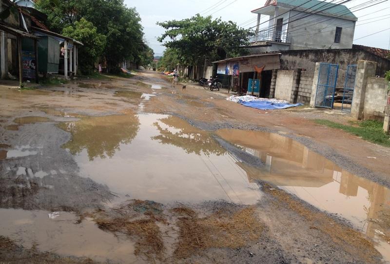 Quảng Bình: Vì đâu tỉnh lộ 564B xuống cấp nghiêm trọng từng ngày?