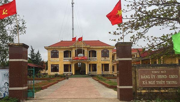 Quảng Bình: Vụ Chủ tịch xã bị kỷ luật chuyển sang làm 'sếp' Mặt trận: Người trong cuộc nói gì?