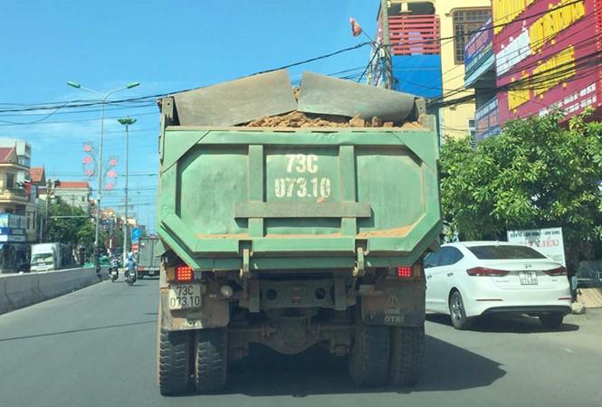 Quảng Bình: Xe 'khủng' lại tung hoành