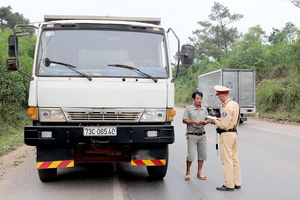 Quảng Bình xử nghiêm vi phạm, tai nạn giảm sâu