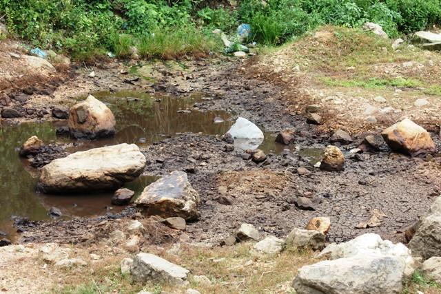 Quảng Bình: Xử phạt đơn vị để 3000lit dầu thấm vào lòng đất