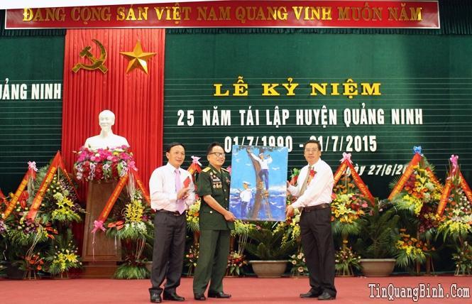 Quảng Ninh kỷ niệm 25 năm ngày tái lập huyện