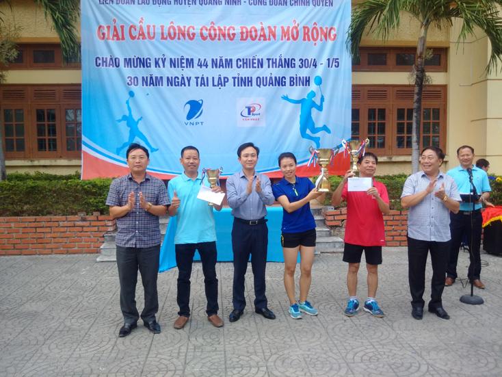 Quảng Ninh: Sôi nổi giải cầu lông công đoàn mở rộng