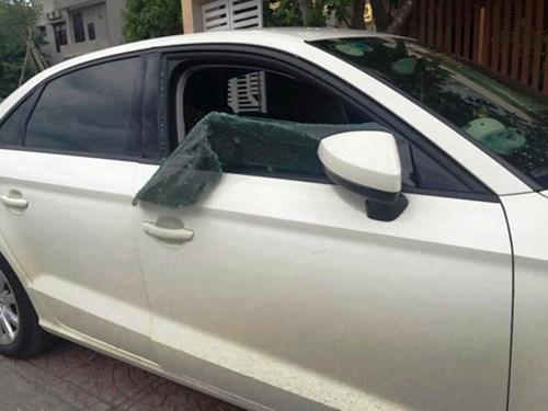 Rộ tình trạng ô tô bị tấn công