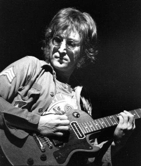 Sinh nhật thứ 75 John Lennon: Mãi một tượng đài vì hòa bình