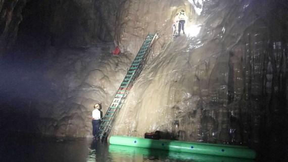 Sở TNMT Quảng Bình giải trình việc lắp thang trong hang Sơn Đoòng