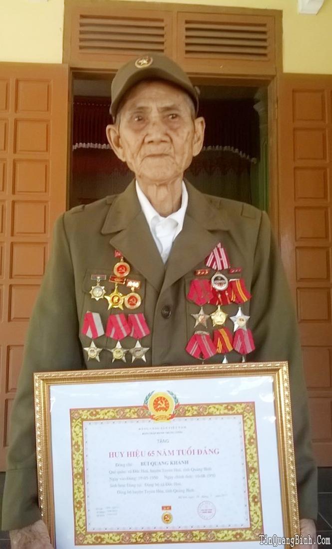 Tấm lòng của người cựu chiến binh 65 năm tuổi Đảng