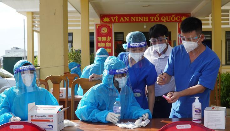 Tập trung nâng cao năng lực y tế trong cuộc chiến với Covid-19