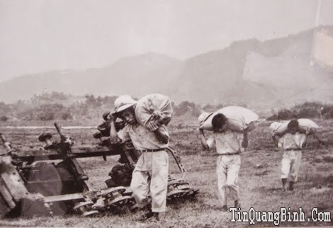 Thăm lại đơn vị có nhiều cán bộ, chiến sĩ được phong tặng Anh hùng