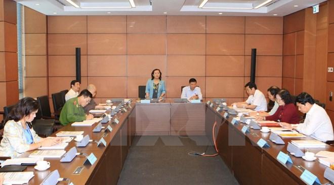 Thảo luận các dự thảo văn kiện trình Đại hội đại biểu toàn quốc