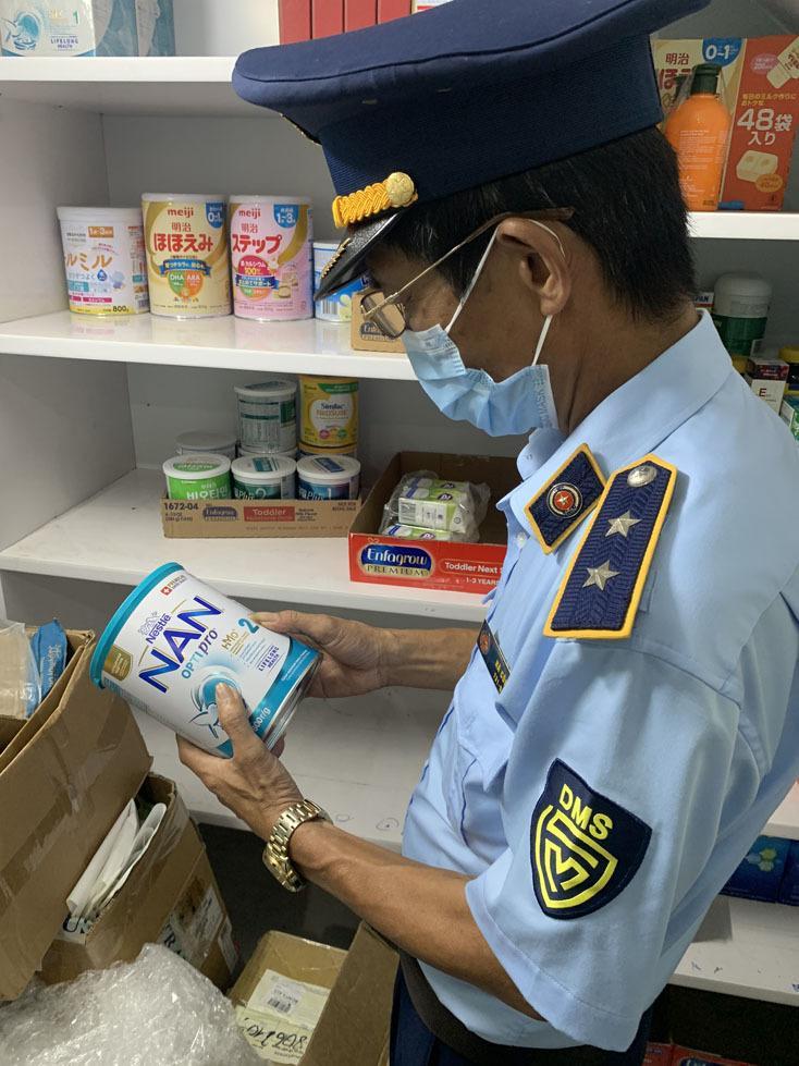 Thu giữ 113 hộp sữa bột không có hóa đơn, nguồn gốc xuất xứ