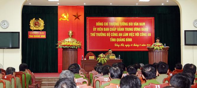 Thứ trưởng Bộ Công an Bùi Văn Nam làm việc tại Công an tỉnh Quảng Bình