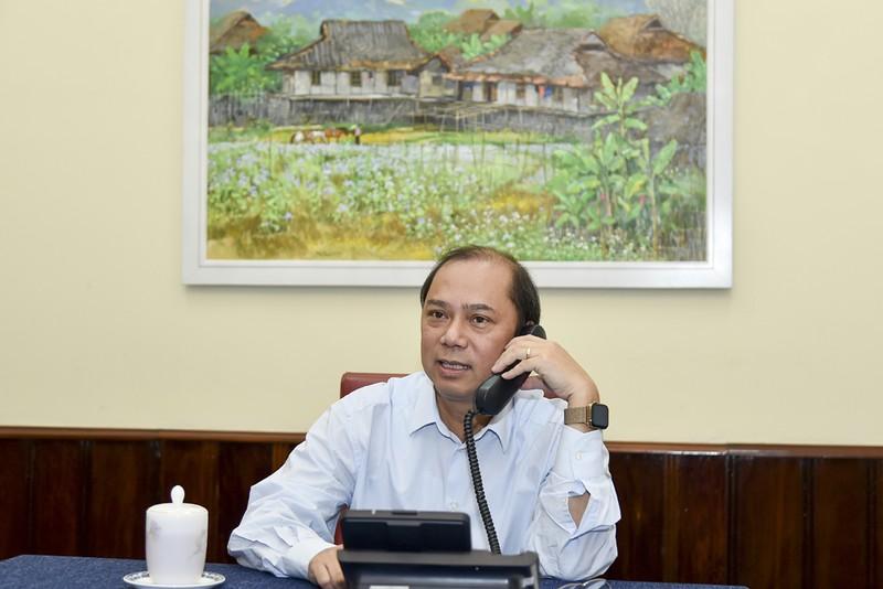 Thứ trưởng Ngoại giao Việt Nam điện đàm với Quốc Vụ khanh BNG Anh