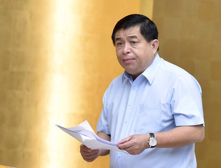 Thủ tướng phê bình nghiêm khắc những nơi chậm trễ, đốc thúc giải ngân khoản vốn 250 nghìn tỷ đồng