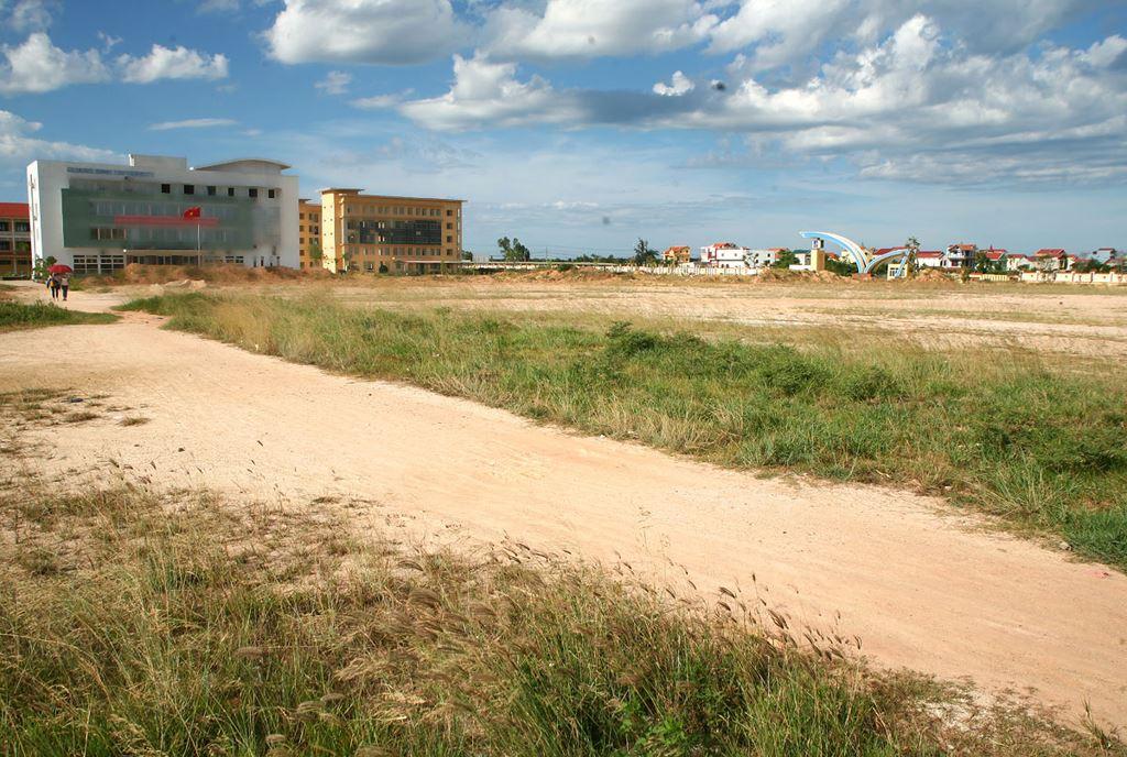 Quảng Bình: Chỉ định thầu hầu hết dự án xây nhà ở thương mại