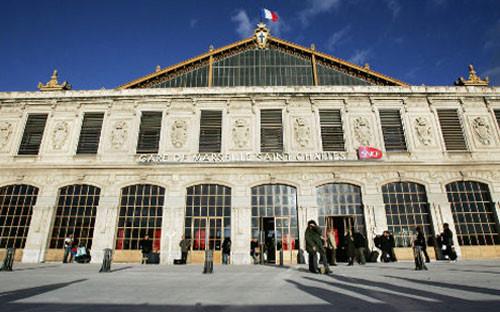 Tiêu diệt kẻ tấn công bằng dao ở Pháp khiến 2 người thiệt mạng