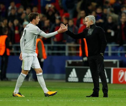 TIN HOT M.U 5/10: Hỏi mua Ronaldo với 151 triệu bảng. Lukaku phàn nàn về đồng đội
