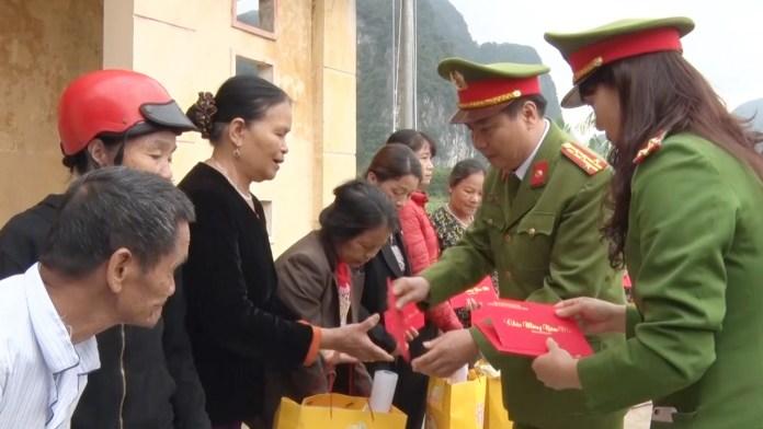 Tổ chức chương trình Tết vì ngườinghèo xuân Canh Tý 2020 tại huyện Minh Hóa