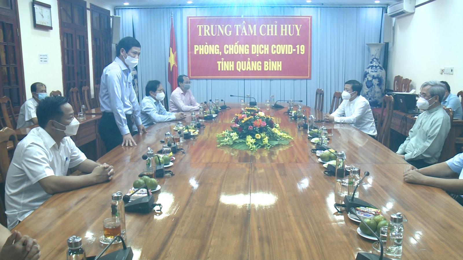Tòa Giám mục Giáo phận Hà Tĩnh ủng hộ 200 triệu đồng cho Quảng Bình phòng, chống dịch Covid-19