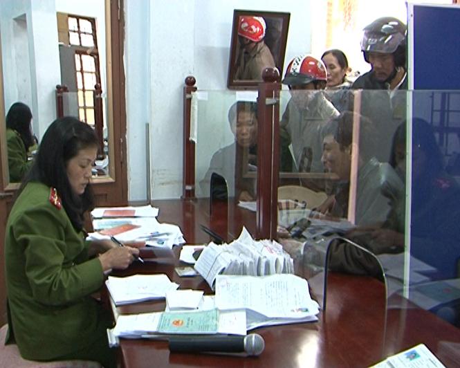 Tổng cục Cảnh sát Quản lý hành chính về TTATXH-Bộ Công an: Kiểm tra tình hình công tác tại Công an Quảng Bình