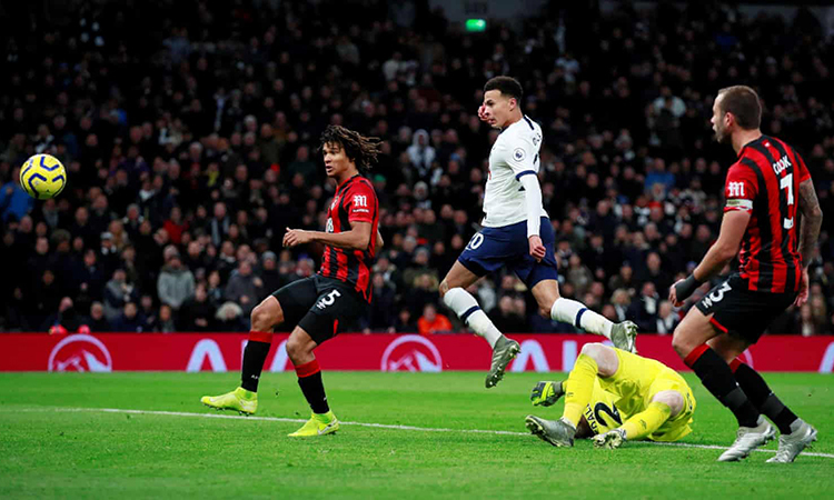 Tottenham lên thứ năm Ngoại hạng Anh