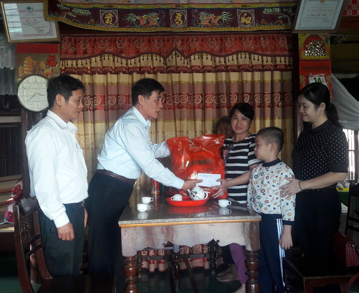 TP. Đồng Hới:  Tổ chức các đoàn thăm gia đình chính sách dịp Xuân Canh Tý 2020