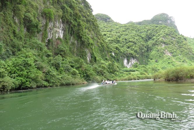 Trải nghiệm kỳ thú với sông Long Đại, thác Tam Lu