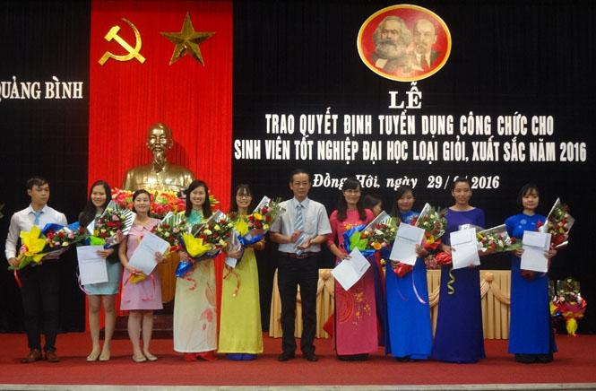Triển khai Chính sách thu hút, đào tạo người có trình độ chuyên môn cao tỉnh Quảng Bình giai đoạn 2016 -2020