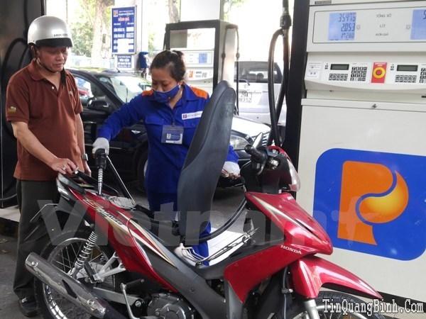 Từ 15 giờ ngày 4-8, giá xăng dầu trong nước đồng loạt giảm mạnh