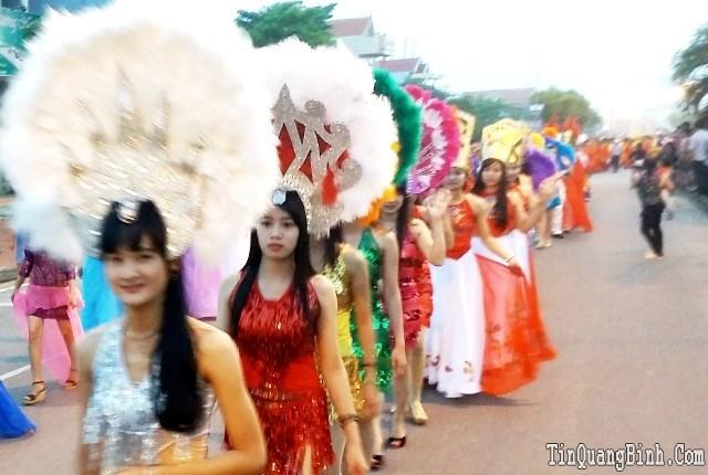 """Tưng bừng """"lễ hội đường phố"""" tại Quảng Bình"""