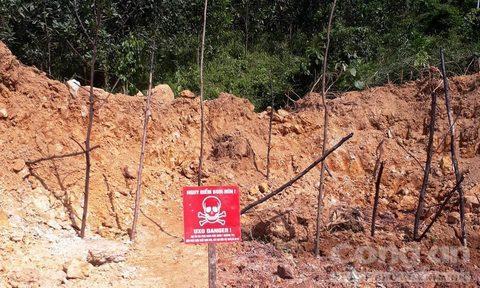 Tuyên Hóa: Phát hiện quả bom dài 1,25m khi đào móng xây nhà