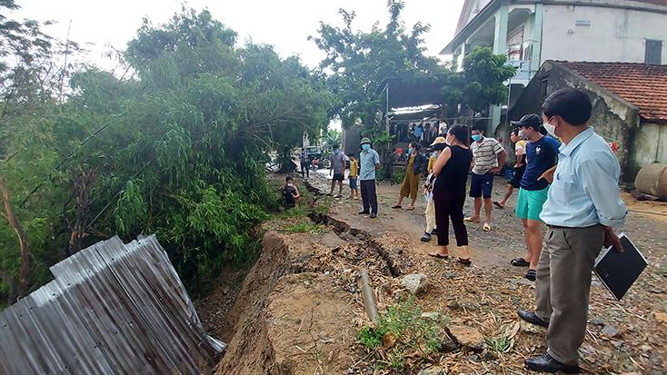 Tuyên Hóa: Tiếp diễn nỗi lo sạt lở bờ sông mùa mưa lũ